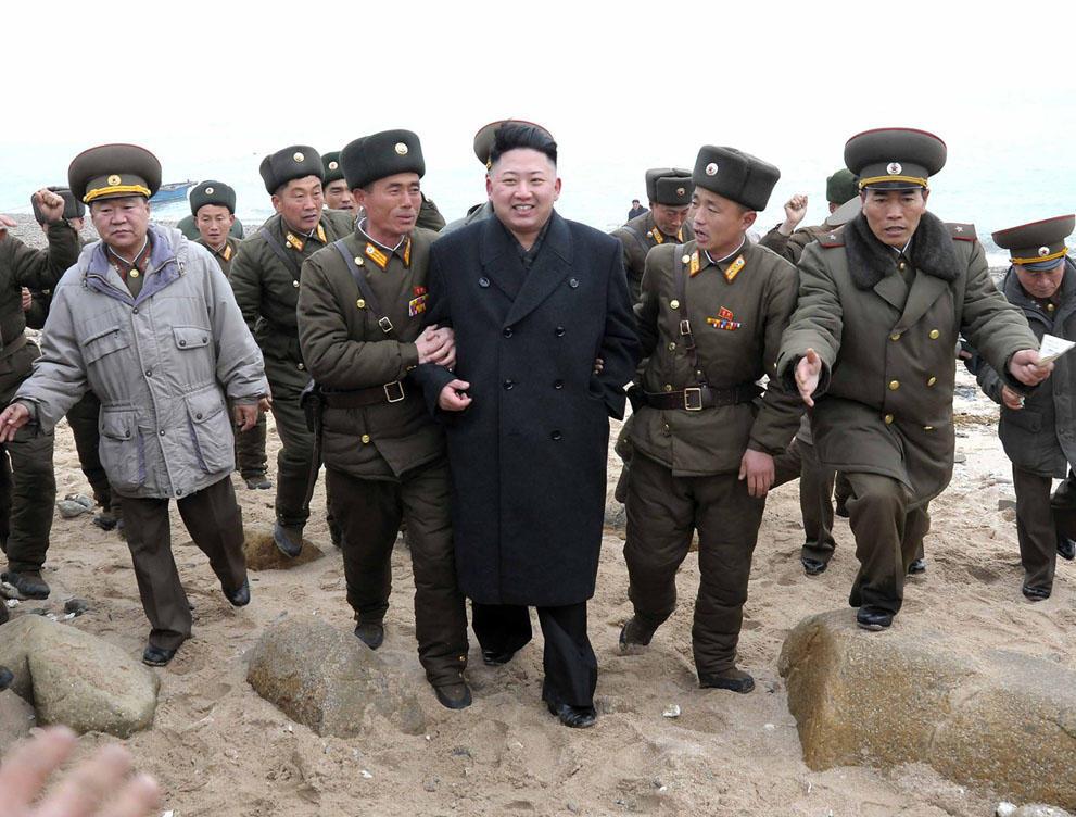 koreaivoennayamashina 15 Северная Корея привела ракеты в боевую готовность и целится в США
