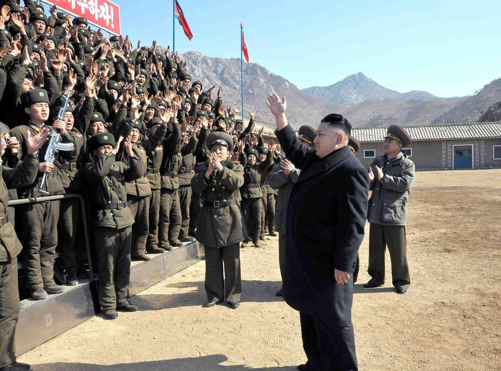 koreaivoennayamashina 16 Северная Корея привела ракеты в боевую готовность и целится в США