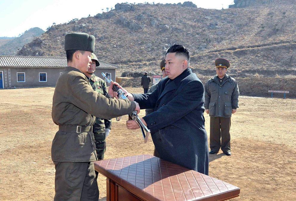 koreaivoennayamashina 17 Северная Корея привела ракеты в боевую готовность и целится в США
