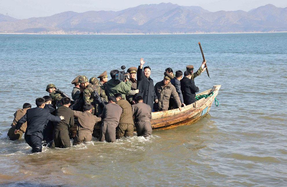 koreaivoennayamashina 18 Северная Корея привела ракеты в боевую готовность и целится в США