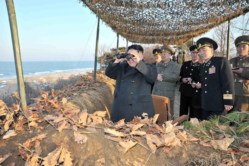 koreaivoennayamashina 4 Северная Корея привела ракеты в боевую готовность и целится в США