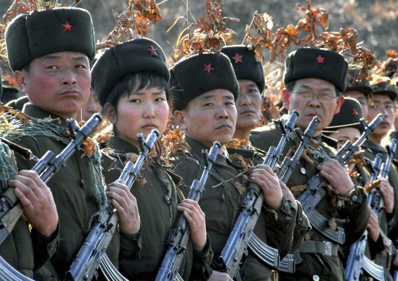 koreaivoennayamashina 5 800x564 Северная Корея привела ракеты в боевую готовность и целится в США