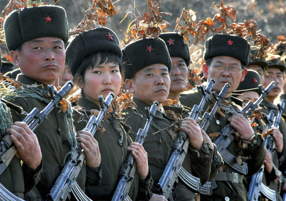 koreaivoennayamashina 5 Северная Корея привела ракеты в боевую готовность и целится в США