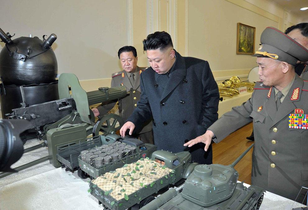 koreaivoennayamashina 8 Северная Корея привела ракеты в боевую готовность и целится в США
