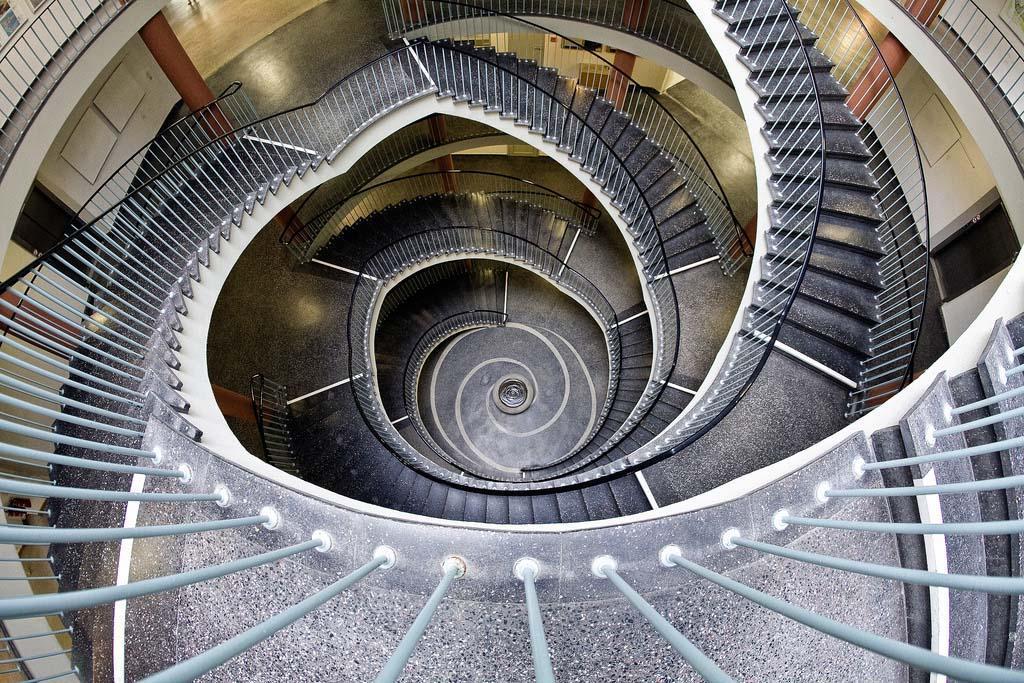 spiralnielestnici 13 Головокружительная красота спиральных лестниц
