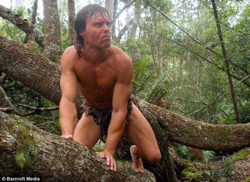 Зов джунглей: охранник уехал из Манчестера, чтобы стать Тарзаном