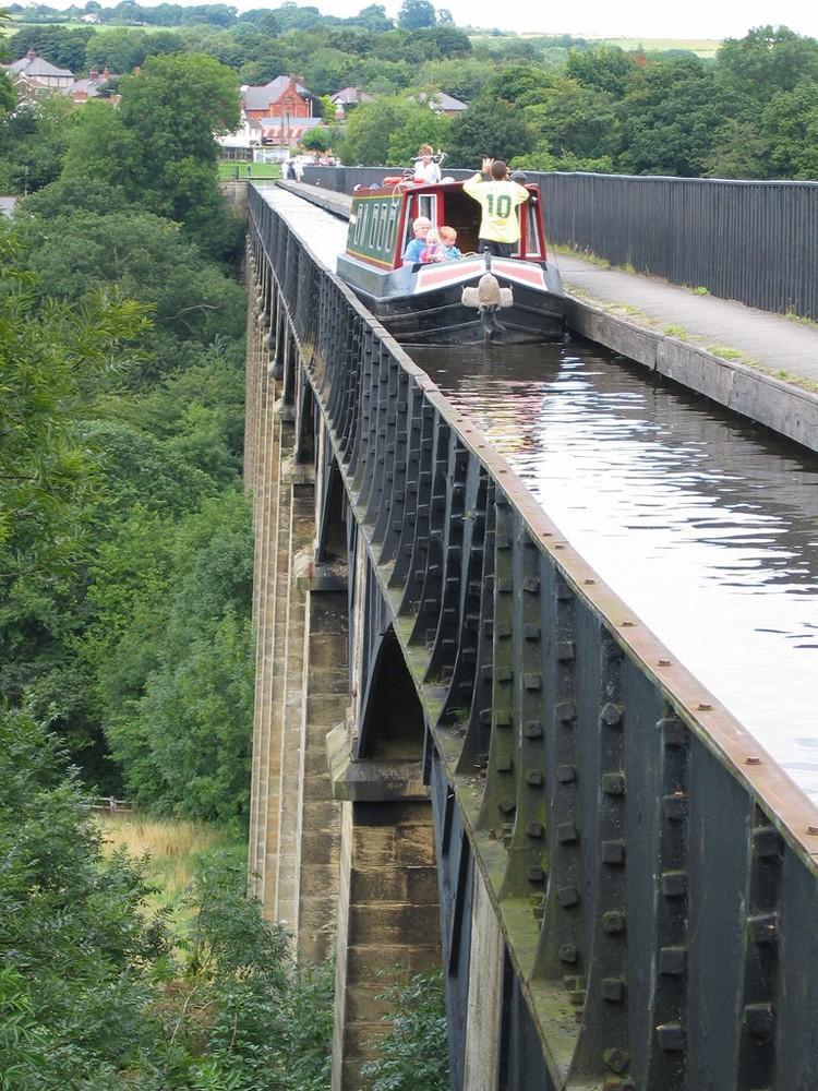 waterbridges07 Три самых впечатляющих водяных моста в мире