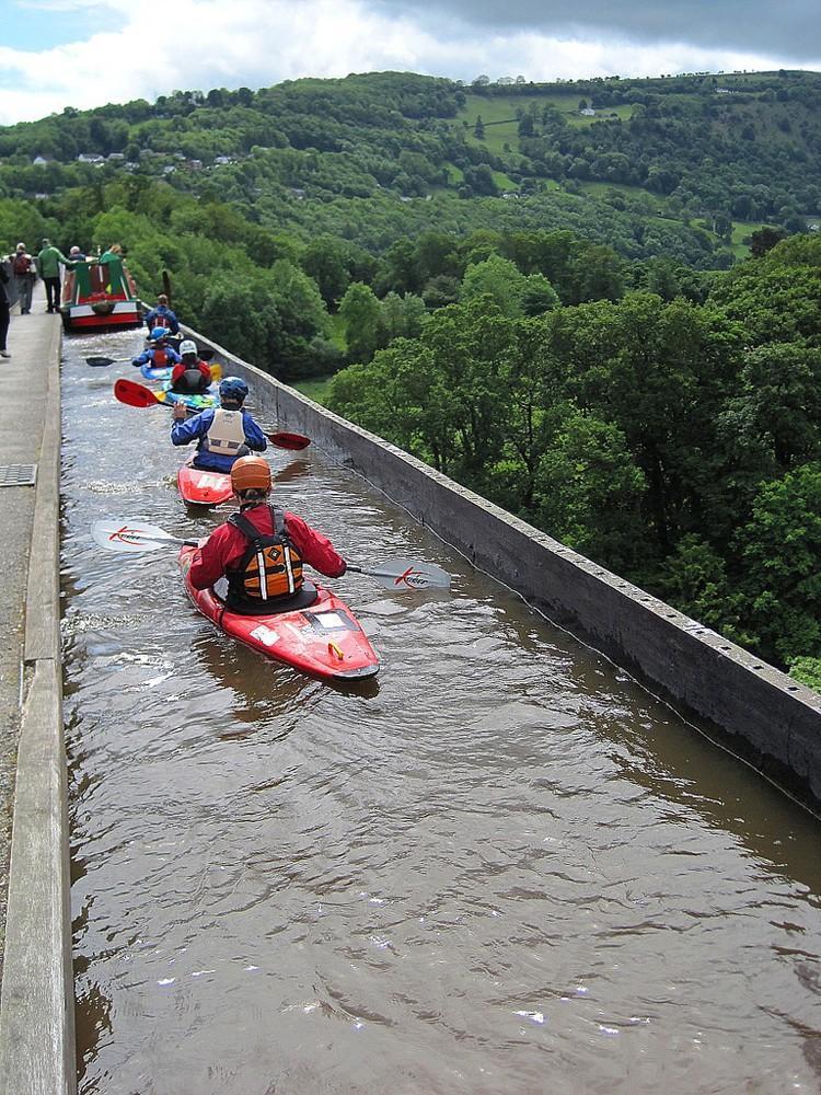 waterbridges08 Три самых впечатляющих водяных моста в мире