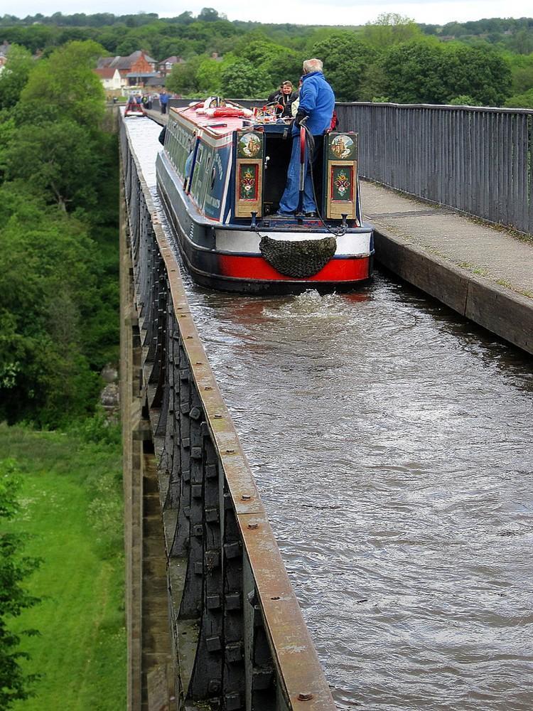 waterbridges09 Три самых впечатляющих водяных моста в мире