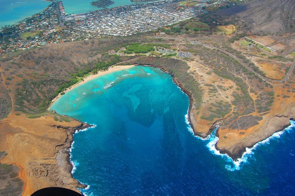 0 a5863 e263d079 orig Земной рай   гавайский пляж внутри древнего кратера