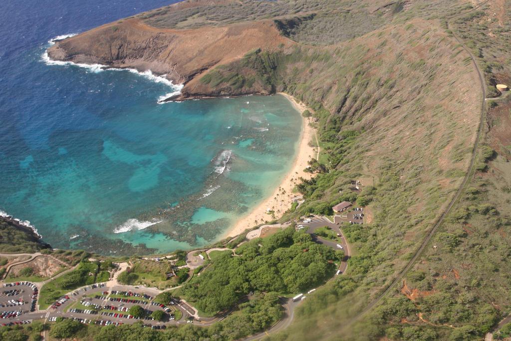 Земной рай   гавайский пляж внутри древнего кратера