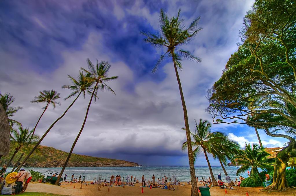 189502258 59973cff04 b Земной рай   гавайский пляж внутри древнего кратера