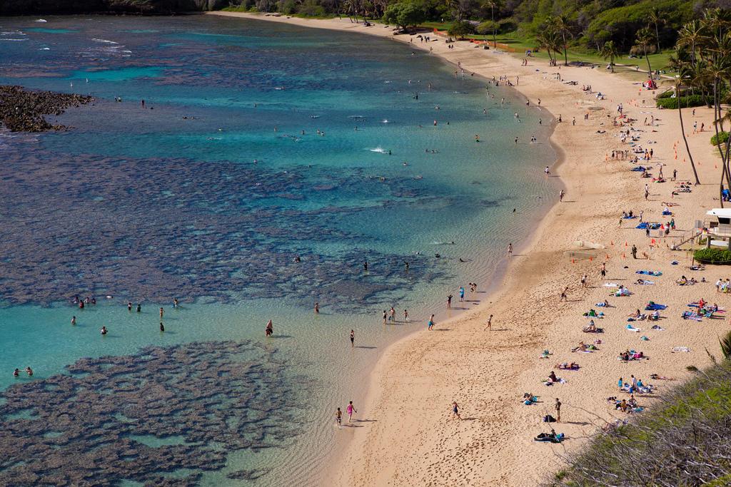 8490447591 1ab35fb715 b Земной рай   гавайский пляж внутри древнего кратера