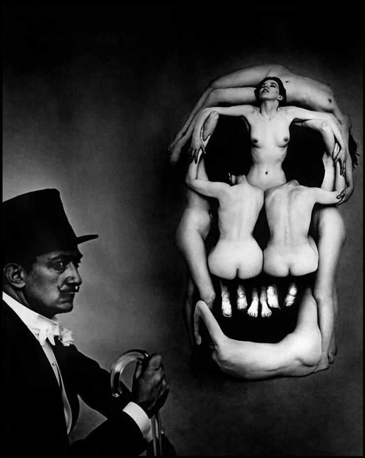 naked-woman-skull-movie