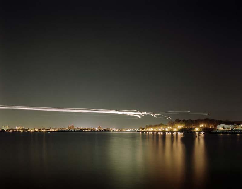 KevinCooley12 Ослепительные световые следы самолетов