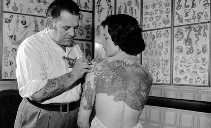 Women-With-Tattoo-7-796x800