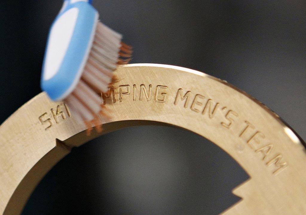 http://bigpicture.ru/wp-content/uploads/2013/04/medal09.jpg