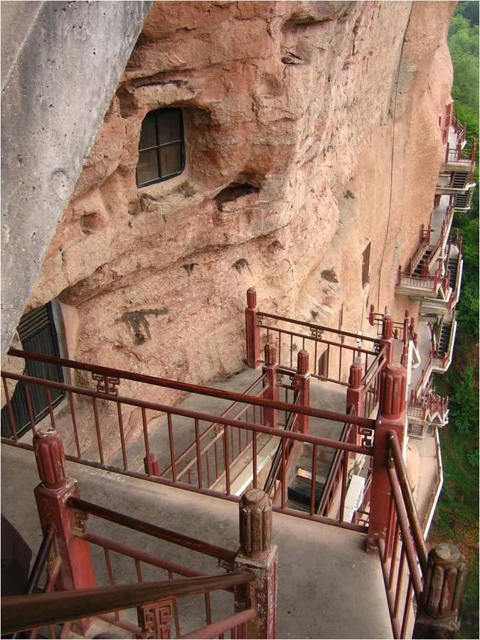 Maijishan Grottoes 15 Гроты Майцзишань