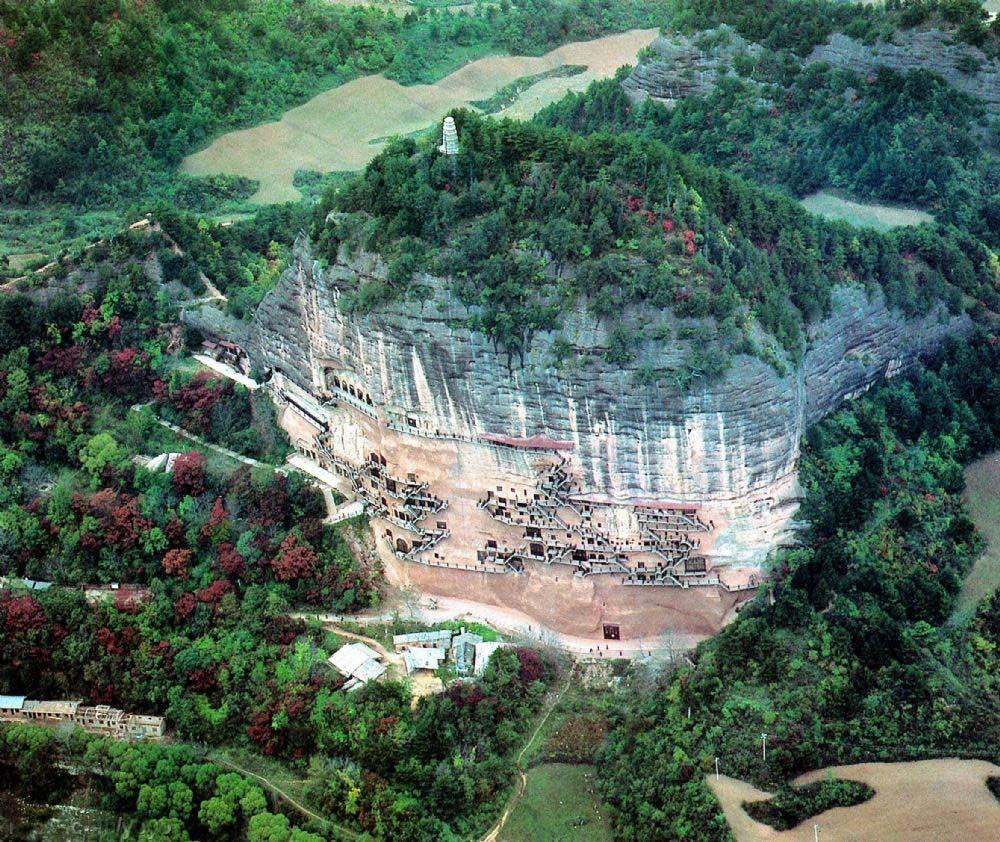 Maijishan Grottoes 17 Гроты Майцзишань