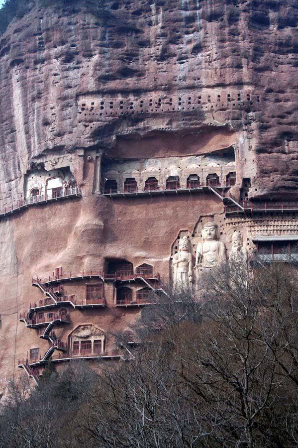 Maijishan Grottoes 3 Гроты Майцзишань