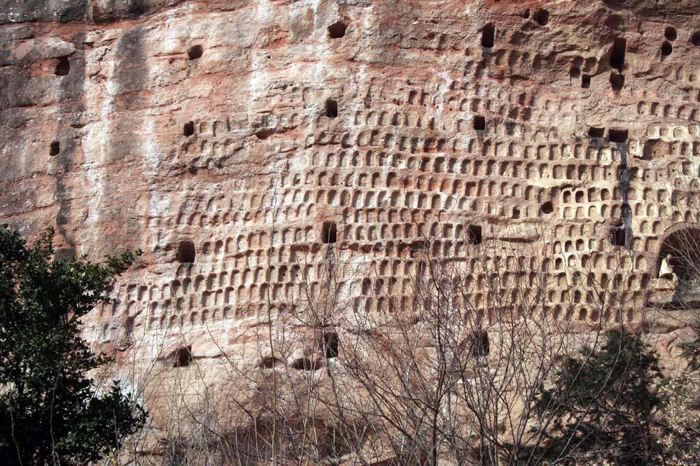 Maijishan Grottoes 4 Гроты Майцзишань