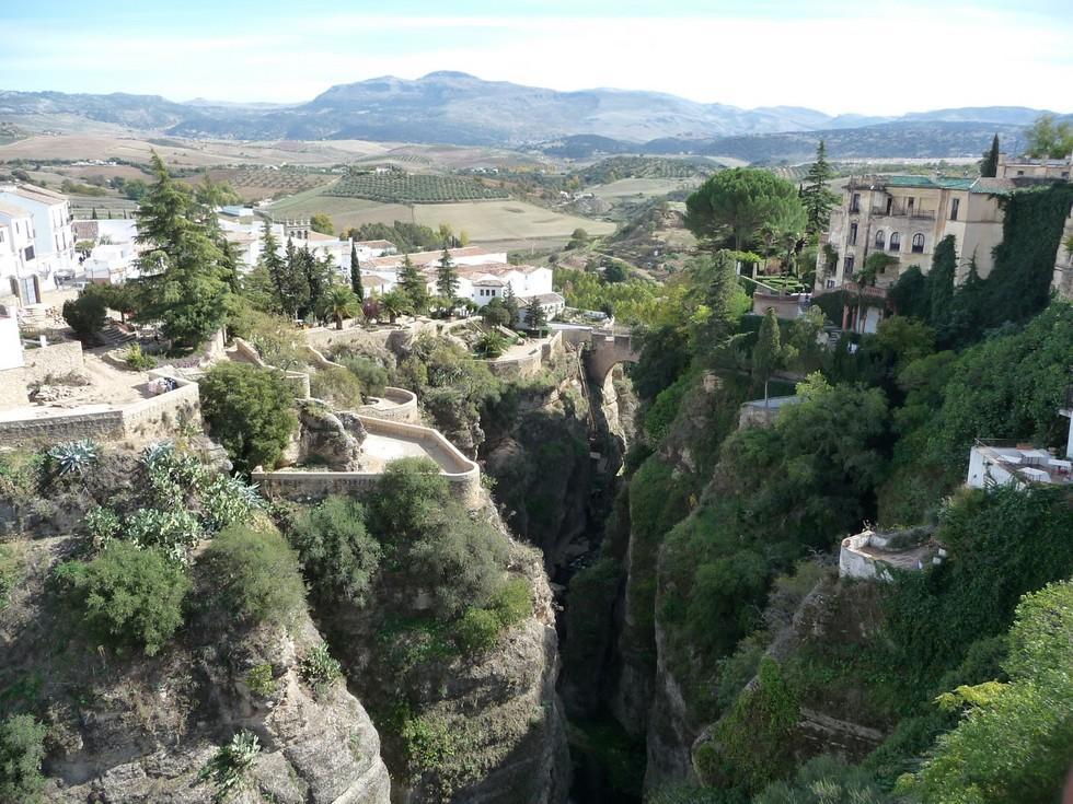 روندا .. روح الاندلس..مدينة فوق الصخور