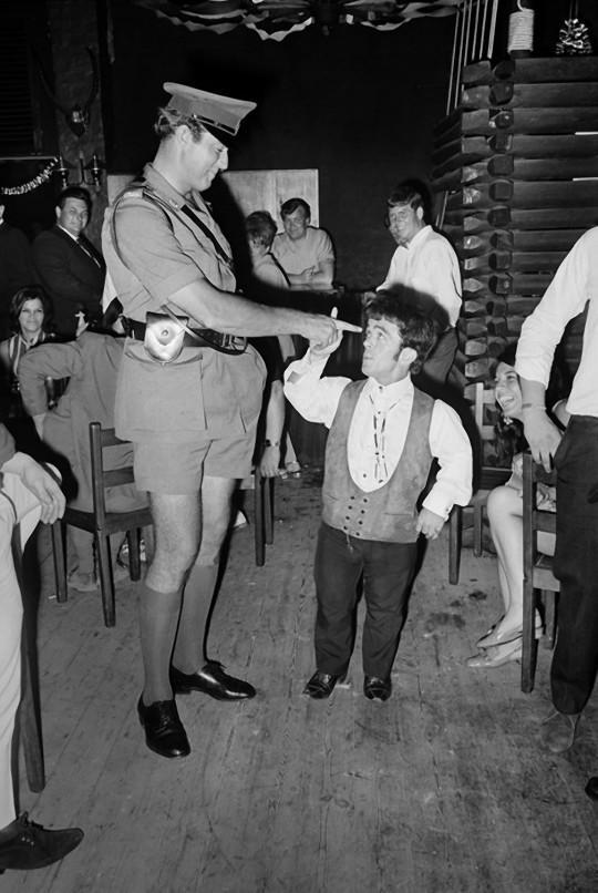 ,如何sixties08开派对夜总会在60年代