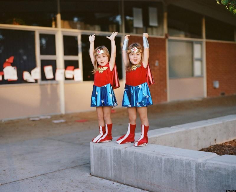 twins02 Когда в семье девочки близняшки