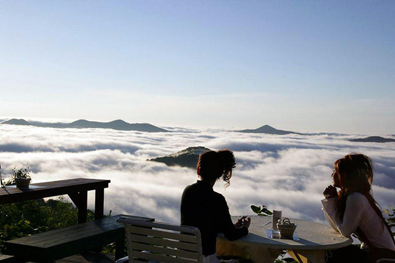 Терраса Ункай — волшебное место над облаками