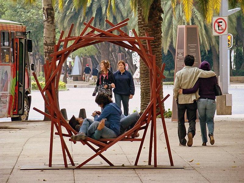 Арт-скамейки самая необычная городская мебель
