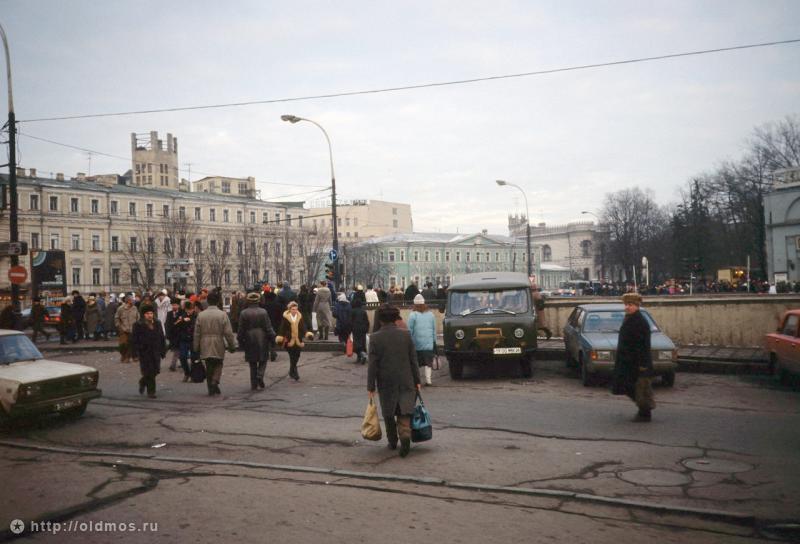 800 e074710fa7986201183888410af2665a Москва 90–х