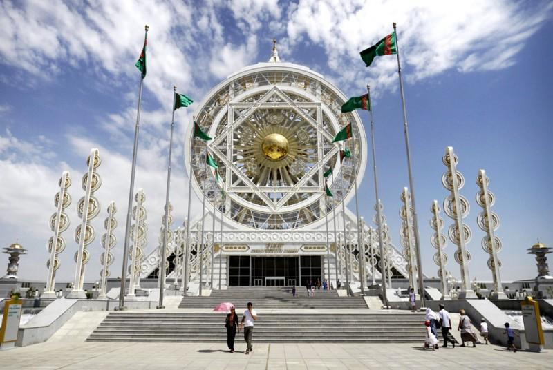 Ashgabat01 800x536 Ашхабад — город из белого мрамора