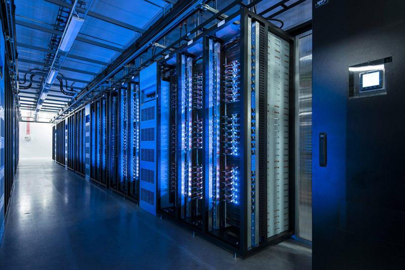 FBDataCenter09 Центр обработки данных Facebook возле Полярного круга