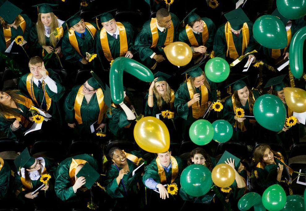 Graduations04 Выпускные церемонии со всего мира