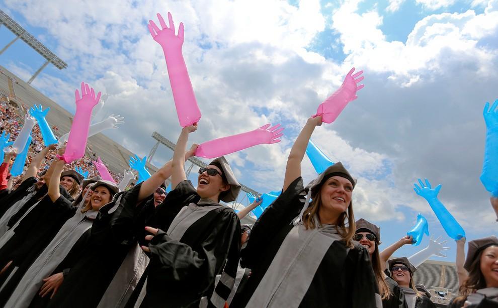 Graduations16 Выпускные церемонии со всего мира