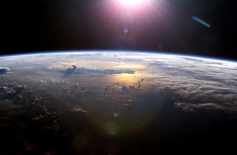 Облака: Вид из космоса