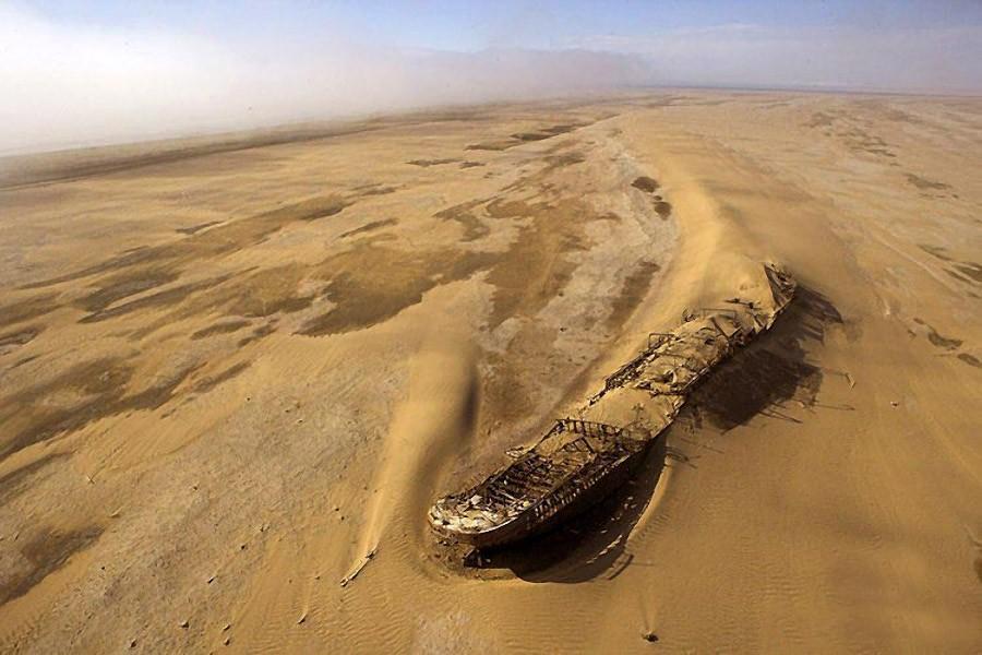 desertship01 Самый знаменитый корабль в пустыне