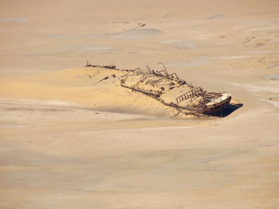 desertship02 Самый знаменитый корабль в пустыне