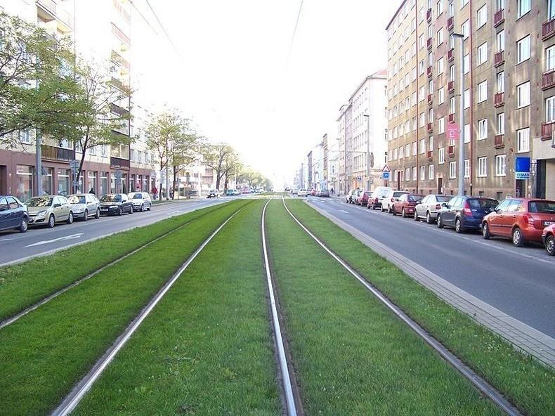 greentramway01 Зеленые трамвайные пути в Европе