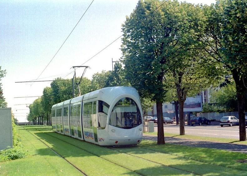 greentramway04 Зеленые трамвайные пути в Европе