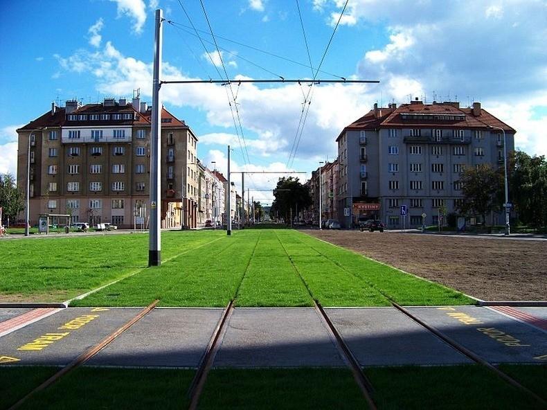 greentramway06 Зеленые трамвайные пути в Европе