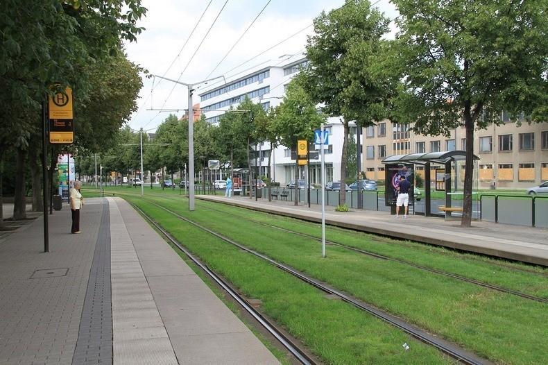 greentramway09 Зеленые трамвайные пути в Европе