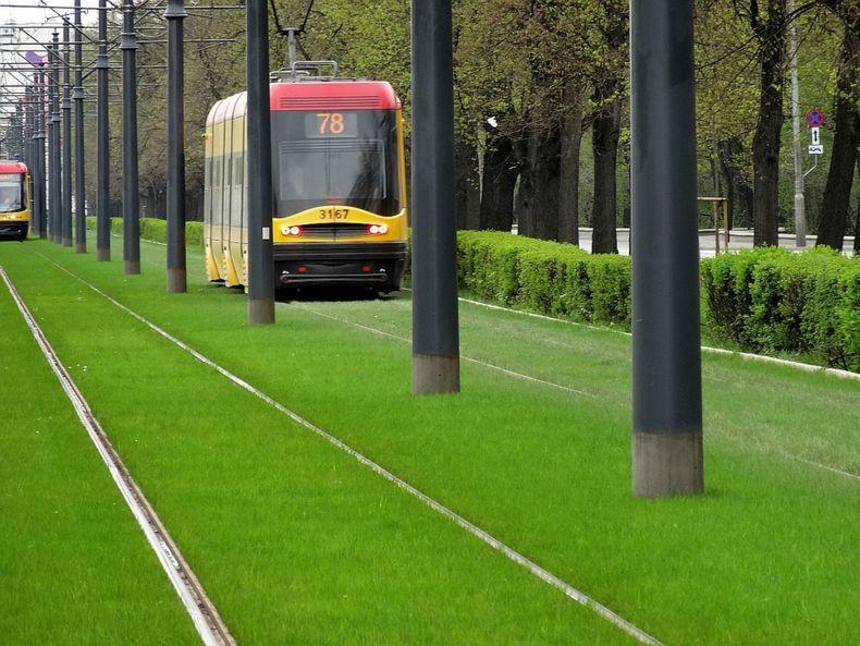 greentramway14 Зеленые трамвайные пути в Европе