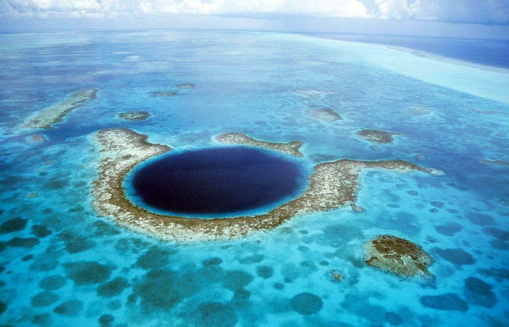 holes02 8 самых впечатляющих дыр в поверхности Земли