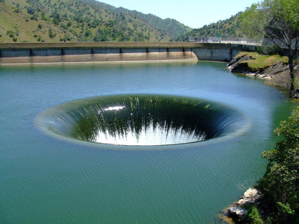 holes06 8 самых впечатляющих дыр в поверхности Земли