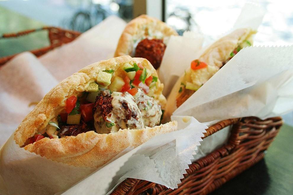 nationalfood03 Блюда, которые стоит попробовать, путешествуя по разным странам мира