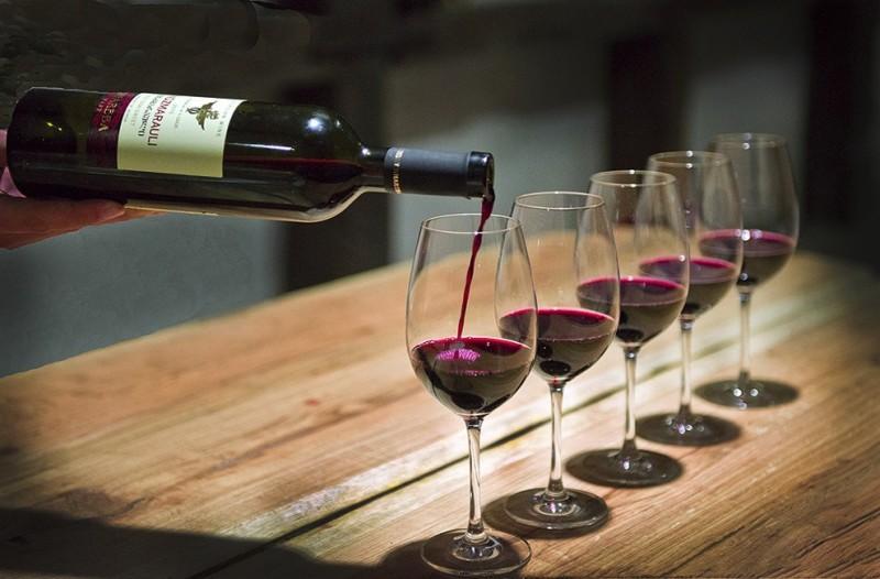 wine01 800x526 9 основных сортов грузинских вин