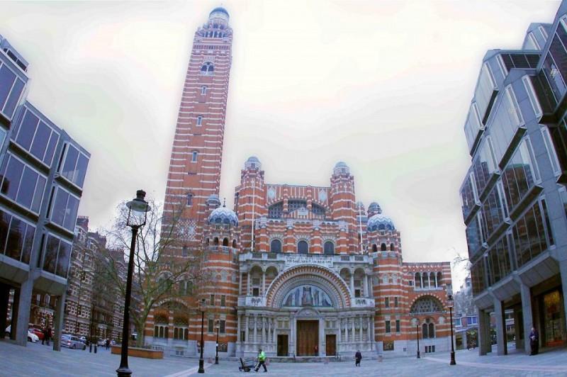 117 800x532 10 самых известных недостроенных зданий