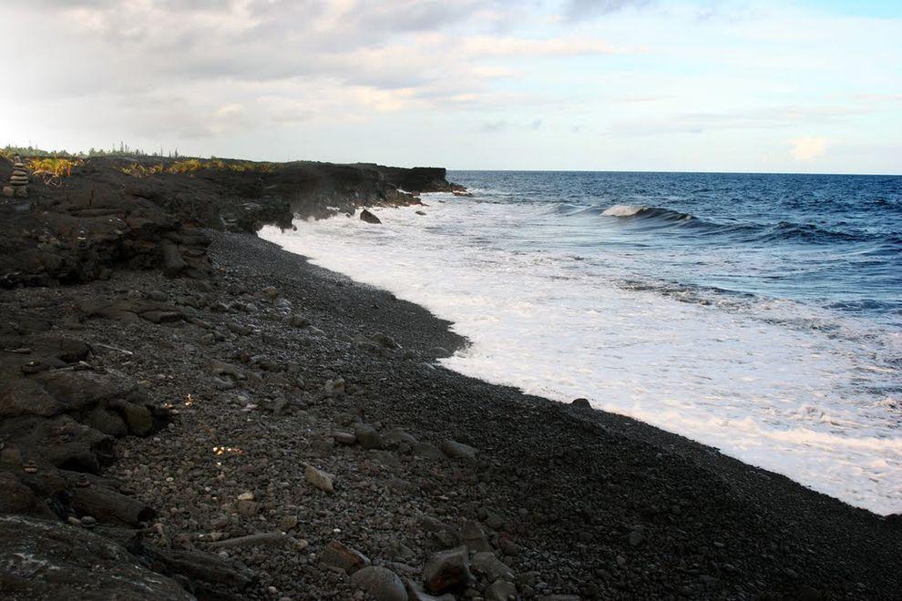 BlackSand05 15 невероятных пляжей с черным песком