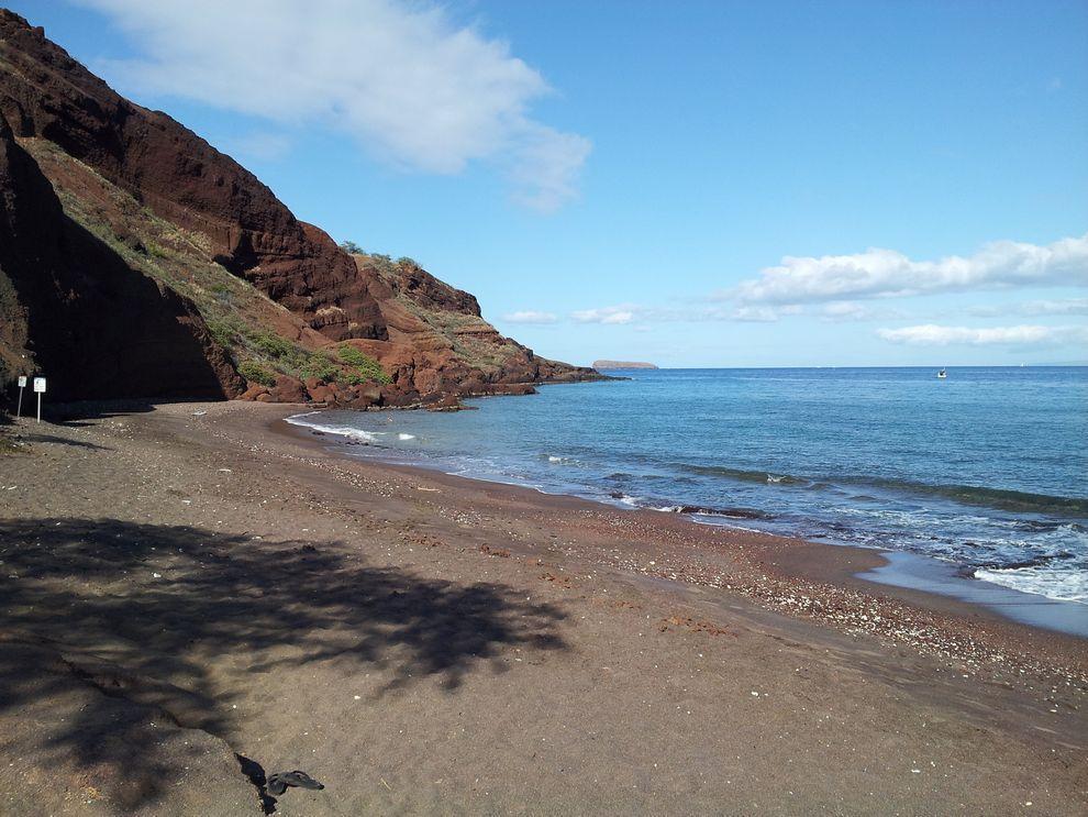 BlackSand07 15 невероятных пляжей с черным песком